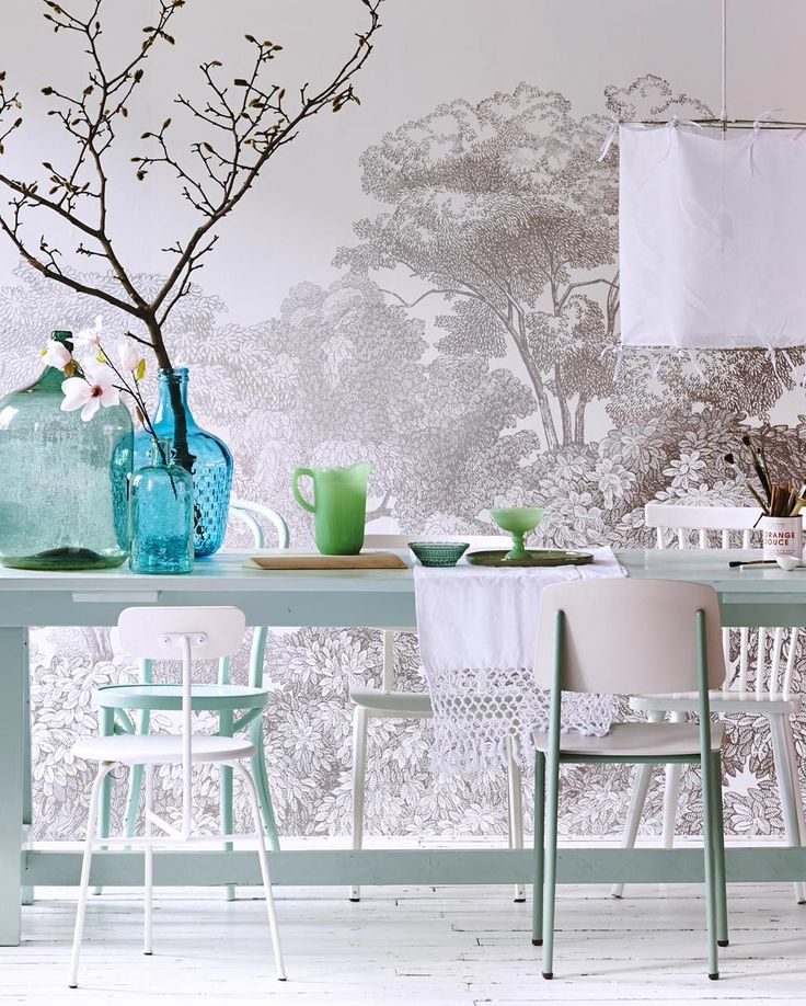 table | nice setup for Eastern via @vtwonen