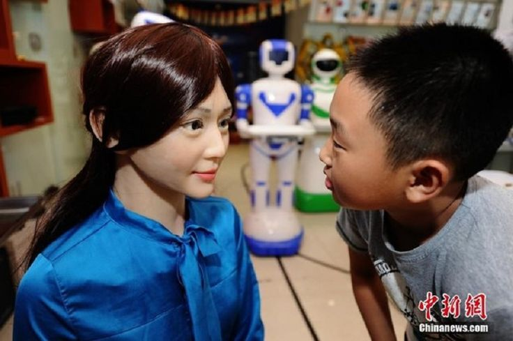 China Just Opened Its Very First Robot Store
