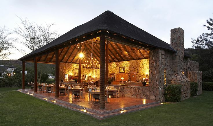 Makana is the ideal choice for mouth watering high teas, hot cooked breakfasts and outdoor celebration dinners.