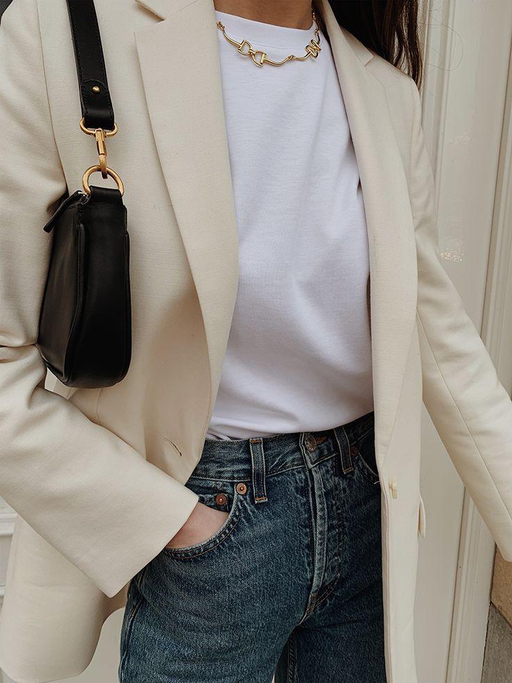 Minimal White – The Moptop