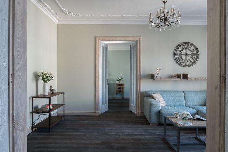 Apartament na Mokotowie - salon - tryc.pl #shabby #chic #living #room #interior #wood #oak