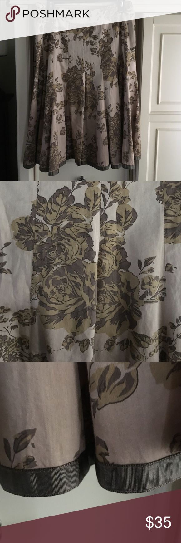 Anthropologie cotton printed skirt w/sepia roses Anthropologie A line full skirt in 100% cotton printed vintage taupe roses on antique beige ground. To hem is trimmed with a grosgrain ribbon in a taupe color. Size 4 however fits a 6. Anthropologie Skirts A-Line or Full