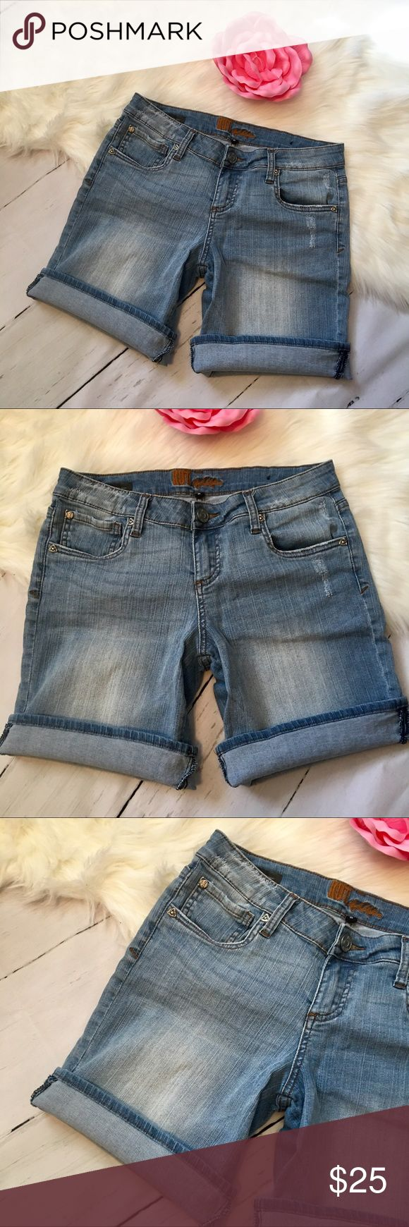 """KUT FROM THE KLOTH KATY BOYFRIEND JEAN SHORTS KFTK KUT from the KLOTH  Size 4  Katy Boyfriend Shorts  Light distressed wash  Factory Distressing  5 pockets, belt-loops, zip fly & button closure  Waist 30""""  Front Rise 8.5""""  Inseam 9.5"""" uncuffed  Leg cuff opening 20"""" total  Please consider all photos as part of item description!  Pet & Smoke free home  Ships next business day! Kut from the Kloth Shorts Jean Shorts"""