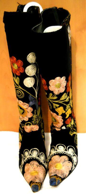 Edoche Black Velvet, Vintage Embroidered Boots
