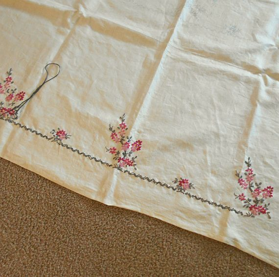 Vintage 50s Ivory Linen Large Tablecloth to by MissIvyVintage