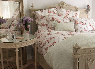 night stand deco and bedding shabby chic - Deco Shabby Chic Blog