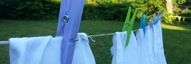 Voici une recette d'adoucissant textile parfumé fait maison : un produit naturel et sain pour assouplir, adoucir et parfumer le linge