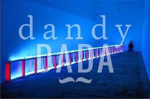 """L'opera """"Blue Moon Neon"""" di Francesco Nencini appartiene alla collezione """"Let There Be Neon"""". Le opere dell'artista americano Dan Flavin ci conducono in stanze della mente e della fantasia e ci avvicinano alla cromoterapia dell'anima. Varese, 2004."""