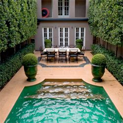A magnificent urban oasis by foremost Australian landscape designer Paul Bangay. (via desiretoinspire)