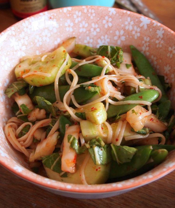 Pittige Noodle Salade met Veggies