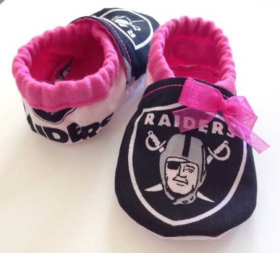 Oakland Raiders Pink Baby Booties by saluna on Etsy