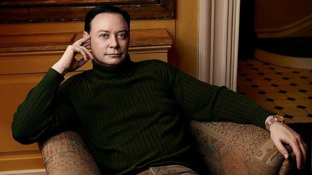 Andrew Solomon. Photo Credit: Annie Liebovitz. This is a free publicity shot for Editorial Use
