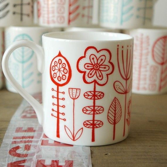Love this red-on-cream mug. It doesn't deserve the fate most mugs suffer (holding 1 inch of coffee moldering on my desk for a week)