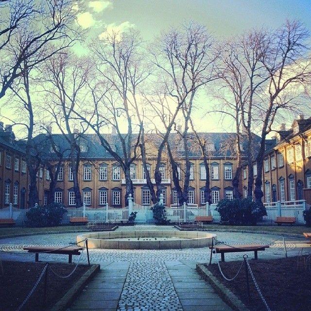 Instagram photo by @Eivind Askeland via ink361.com #stiftsgården #trondheim #norway #garden