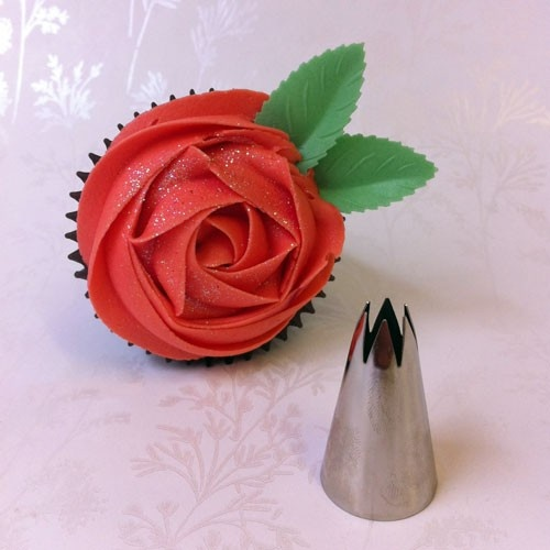 What Tip To Use For Rose Cake