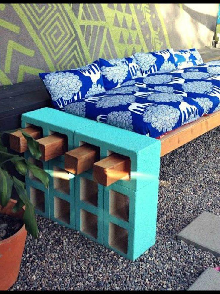 GARDEN ❈ PARTY . Cheap DIY seating idea