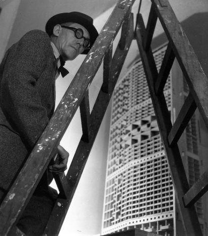 Robert DOISNEAU :: Le-Corbusier, 1945