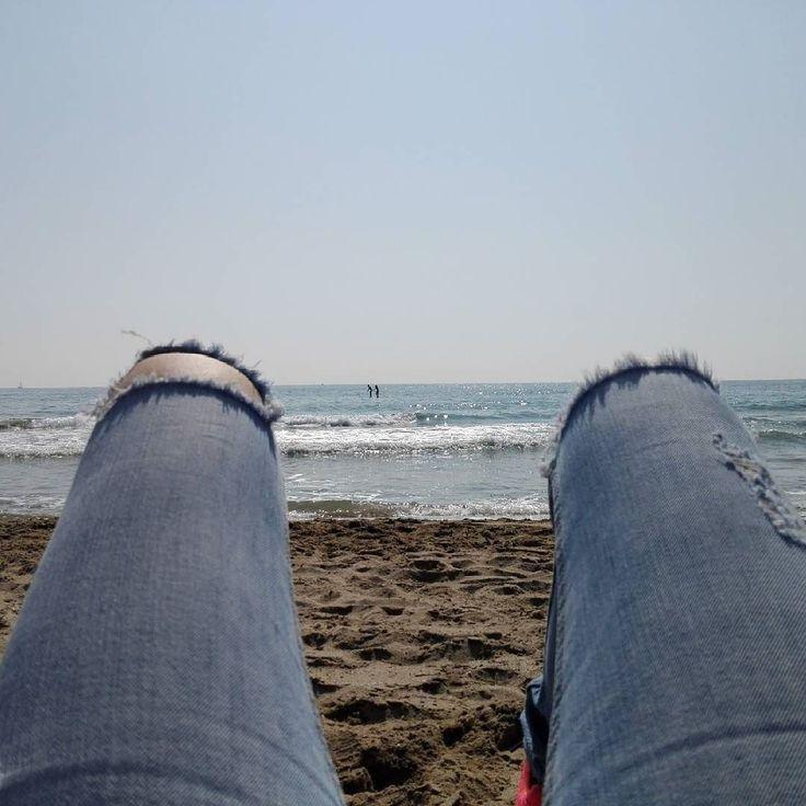 Mañana relax #playa #beach #platja #castelldefels #relax #relaxing #sol #tomarsol #tomandosol