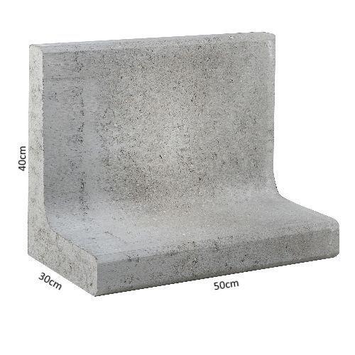 L- elementen kunt u gebruiken als keerwand om grond van verhoogde borders op hun plaats te houden. Ook vangen L-elementen een groot hoogteverschil op.