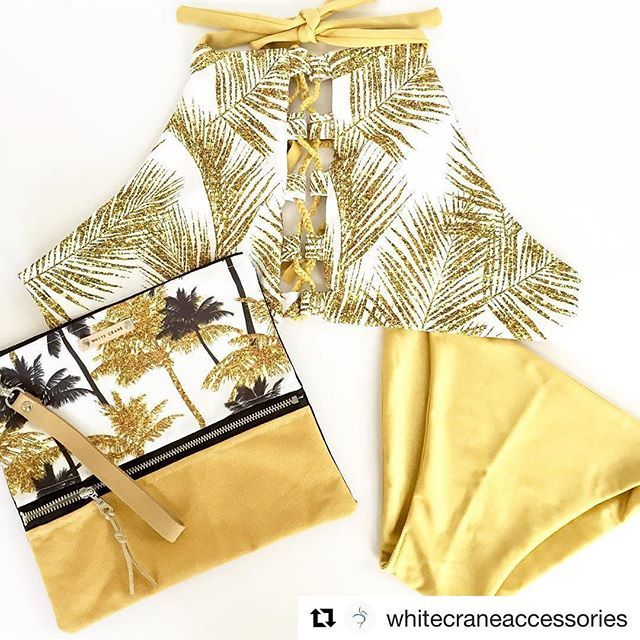 The must have beach outfit. 💛🌴☀️ Bikini by @cheekyswim, clutch by @whitecraneaccessoires, fabric from my Gold glitter tropical collection. ✨