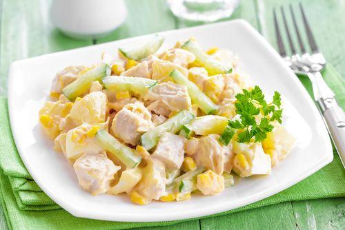 Αυτή η δροσερή σαλάτα με κοτόπουλο και ανανά θα είναι το βραδινό σου  - http://ipop.gr/sintages/salates/afti-droseri-salata-kotopoulo-ke-anana-tha-ine-vradino-sou/