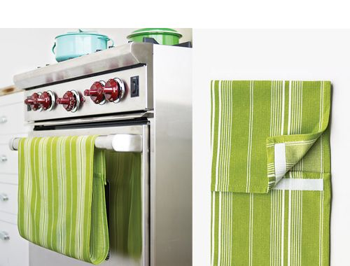 A handy way to keep a tea towel on the oven or dishwasher. Hurray for Velcro.