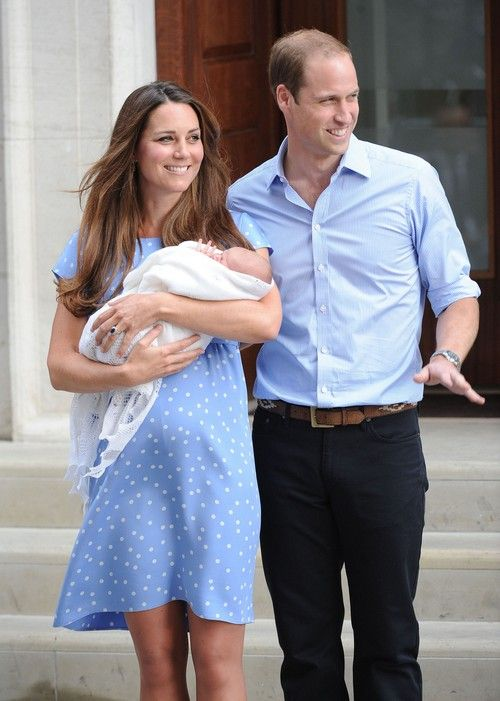 Kate Middleton Six Days Past Due Date as Superbug Hits St. Mary's Hospital: Labor Induced After Switching Hospitals?