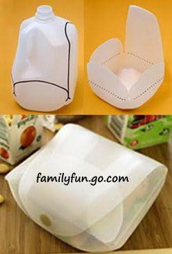 Milchflaschenbox, geht auch mit Milchkartons: http://familyfun.go.com/crafts/reusable-lunch-containers-785113/
