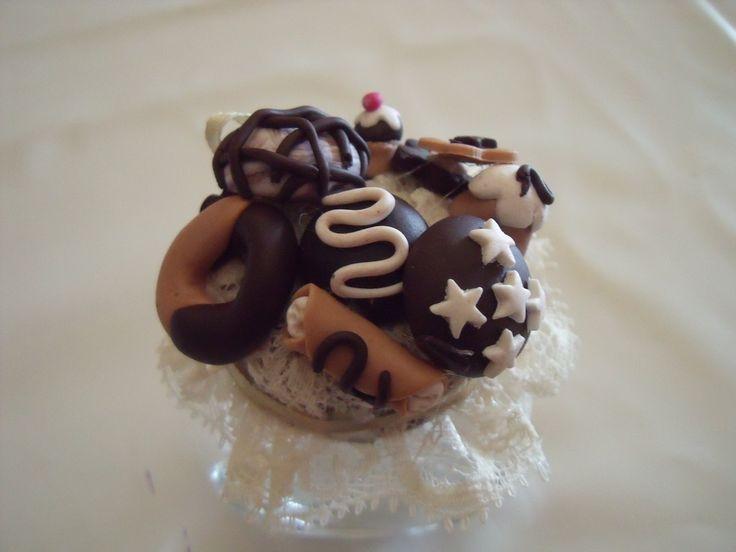 Boccetta con dolcetti in fimo -bomboniera-