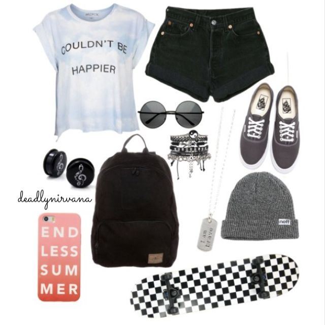 Very cute... •grunge•hipster•tumblr•love•skateboard•skater•black•shorts•croptop•gauges•vans•cute•fashion•girls•boys•teens•teenager•hot•hottopic•punk•sweater•onedirection•