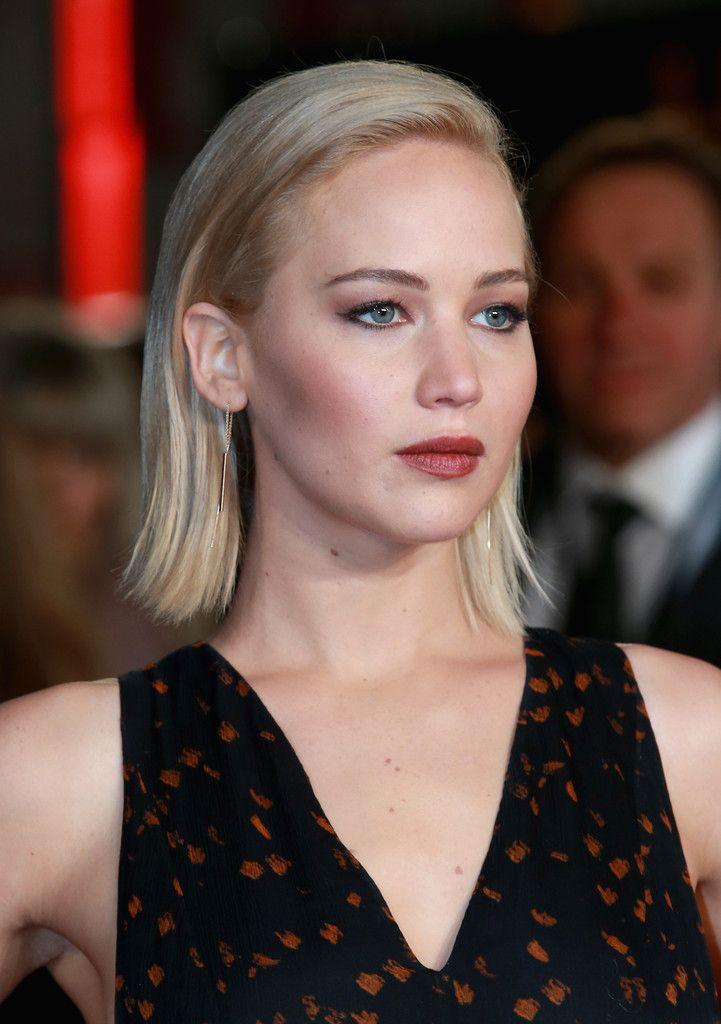 Jennifer Lawrence Photos - 'The Hunger Games: Mockingjay Part 2' - UK Premiere - Zimbio