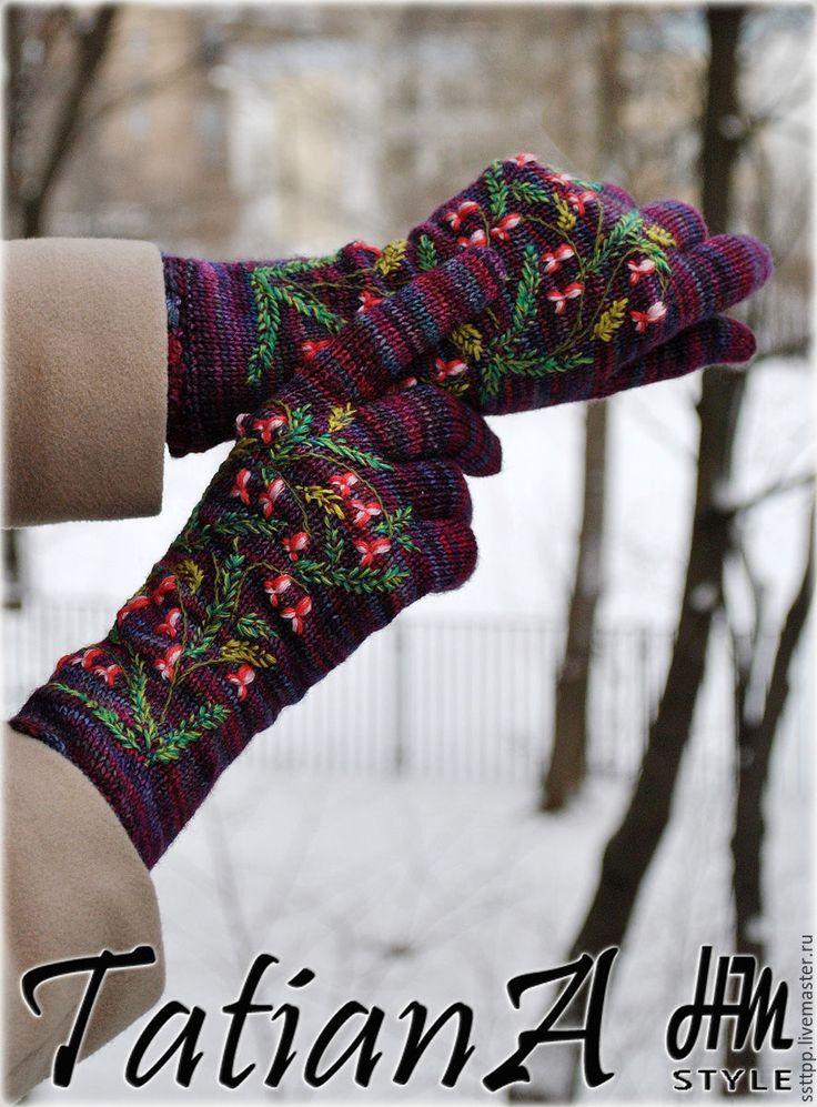 """Купить Эксклюзивные вязаные перчатки с вышивкой """"Malabrigo3"""" - комбинированный, перчатки вязаные, перчатки женские, подарок"""