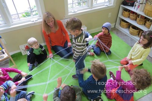 Making our own very busy spiders by Teach Preschool