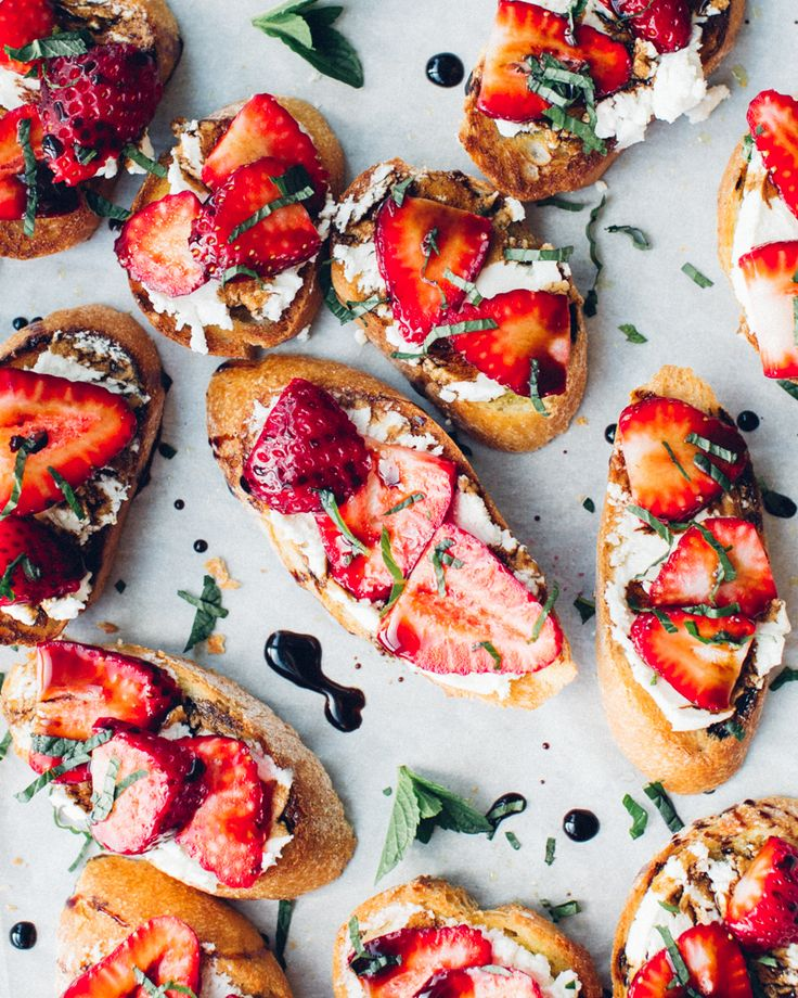 Strawberry Goat Cheese Crostini on Foodess