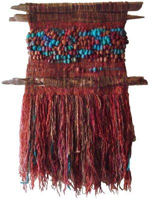 ...y yo podía bordar un tapiz verde en lugar de otra falda.   ---Relato MARTILLAZOS---