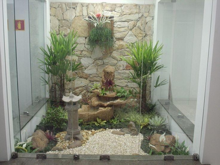 No lugar reservado para o jardim de inverno, você poderá modificá-lo para jardim japonês. Basta ser um ambiente que tenha claridade, que seja arejado e seja fechado por vidros transparentes ou portas de vidro que possam ser abertas a qualquer momento para a manutenção destes.