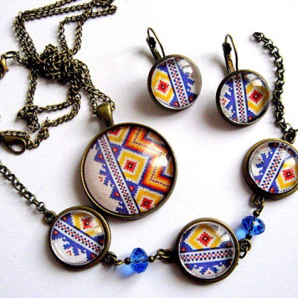 Culori albastru, galben si rosu motiv traditional autentic romanesc  - bijuterie care se asorteaza cu ia - cadou femei