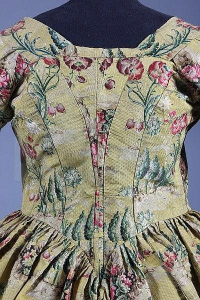 A brocaded silk robe à lAnglaise