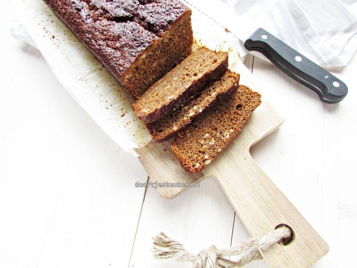 Een overheerlijk recept voor lekkere kleffe kruidkoek. Veel lekkerder dan de kruidkoek die je in de winkel koopt, en die geuren, hmmm!