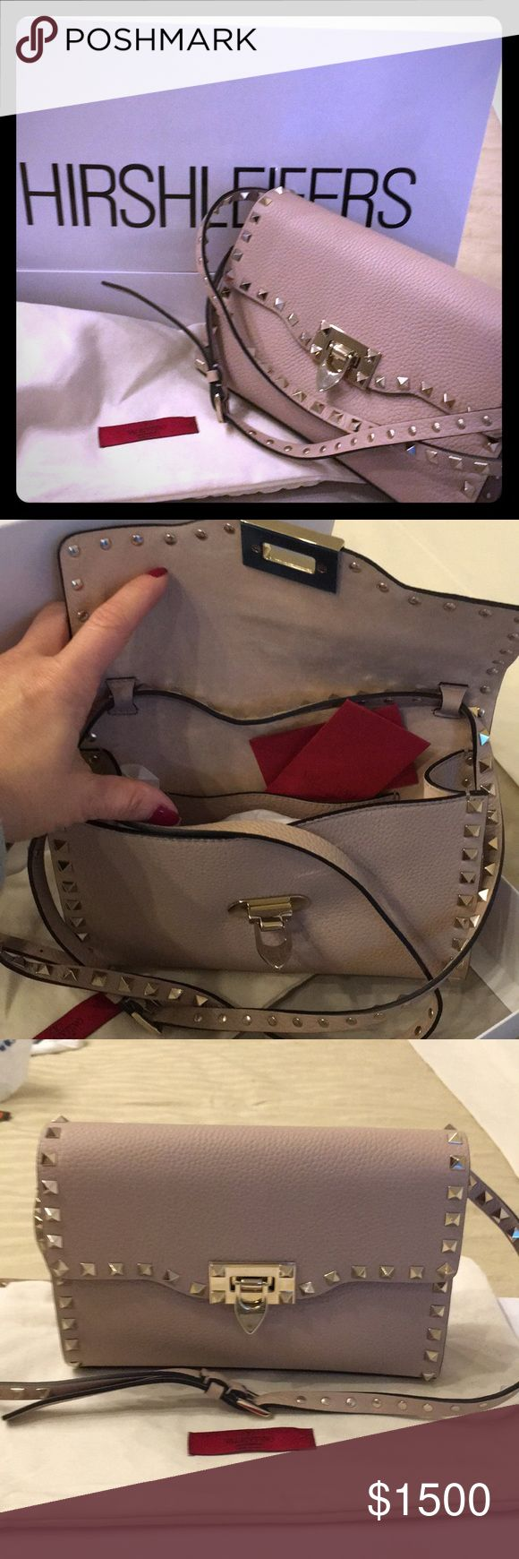 Valentino Rockstud Blush NOT FOR SALE 💋💋🔥🔥Christmas Gift can't wait to use it !!!! Valentino Bags Shoulder Bags
