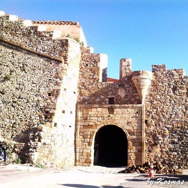 The entrance gate of the magnificent Monemvasia Castle. Photo from my vacation in December 2009.  #instagrampics #ilovegreece #monemvasia #oldmonemvasiatown #monemvasiacastle #travel #castle #visitgreeece #enetikocastle