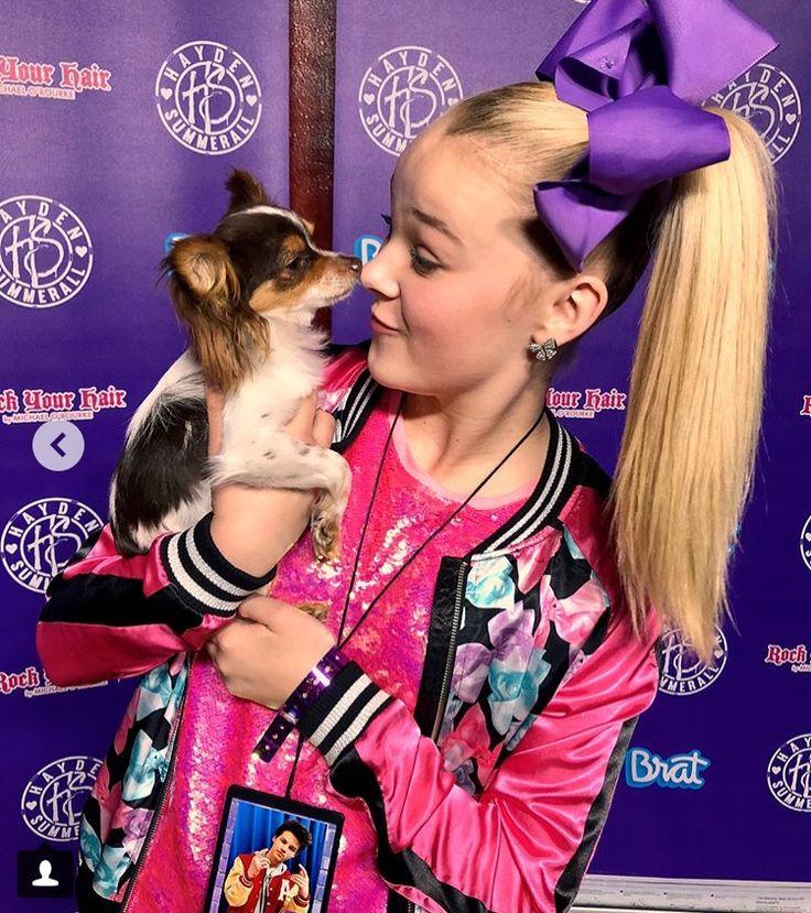 JoJo Siwa bonding moment with Louie the Dog ️ Hayden