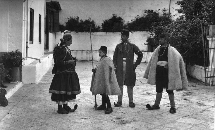 59 αριστουργηματικές φωτογραφίες από την Ελλάδα (1903-1920) - RETRONAUT - Lightbox - LiFO  possibly fârșirot