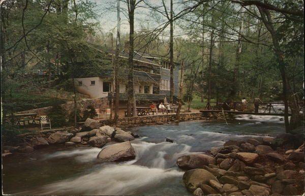 Tennessee TN Gatlinburg Carr Northside Cottages Roaring