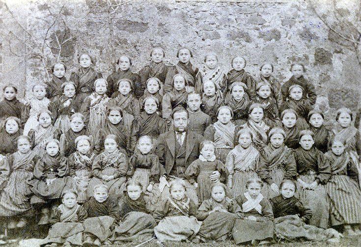 girls school class ca. 1890, Germany