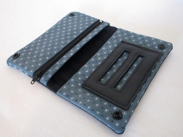 Blague à tabac en simili cuir noir et tissu bleu : Etuis, mini sacs par au-fil-de-syl
