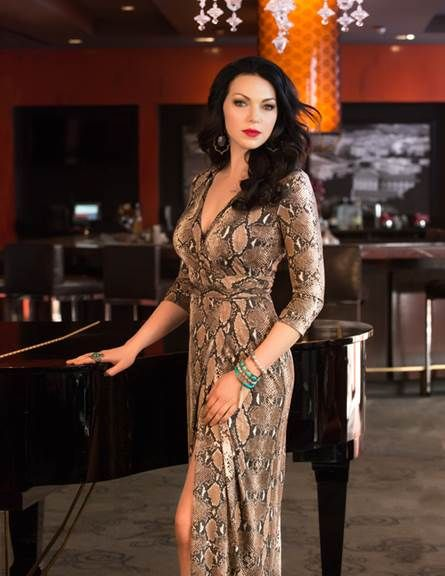 Laura Prepon in Bella NYC Magazine