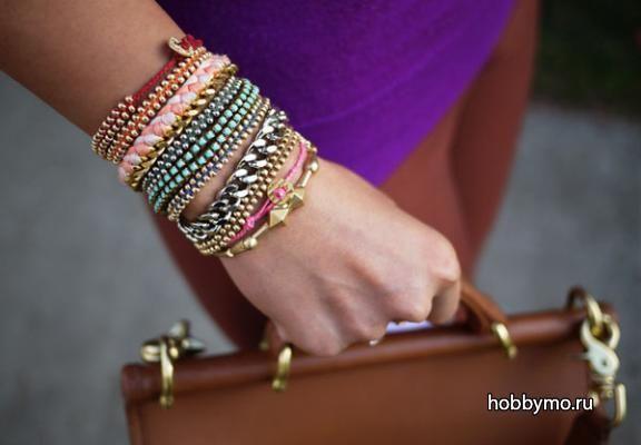Модный браслет-фенечка из бисера и бусин своими руками, мастер-класс http://hobbymo.ru/index.php?module=mk&parameter=some-content&content=722