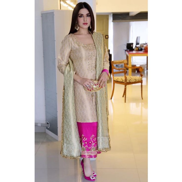 "2,574 Likes, 25 Comments - Mina Hasan (@minahasanofficial) on Instagram: ""One more of our favourite #Muse #NatashaKhalid in a #MinaHasan ensemble! She never fails to impress…"""