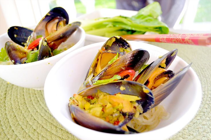 Thai Mussels with Sesame